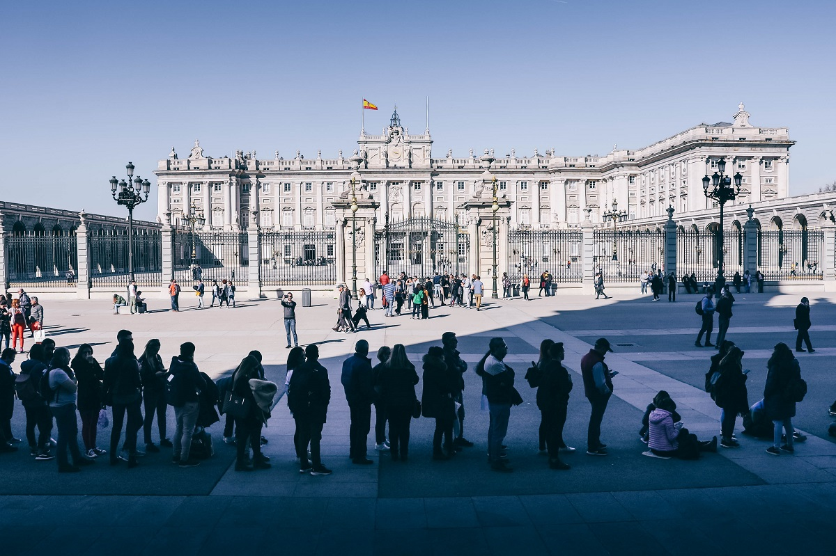 File d'attente pour visiter le Palais Royal de Madrid