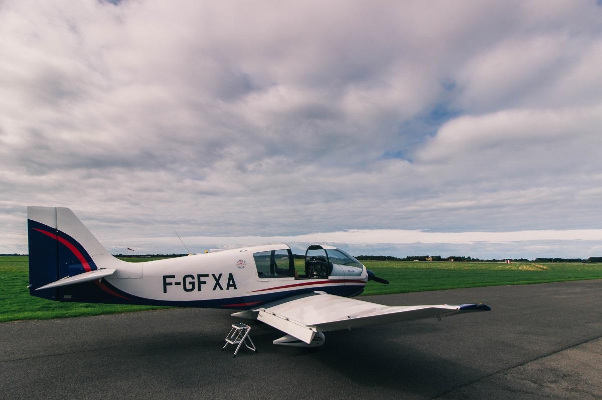 Petit avion pour baptême de l'air sur la Côte d'Opale