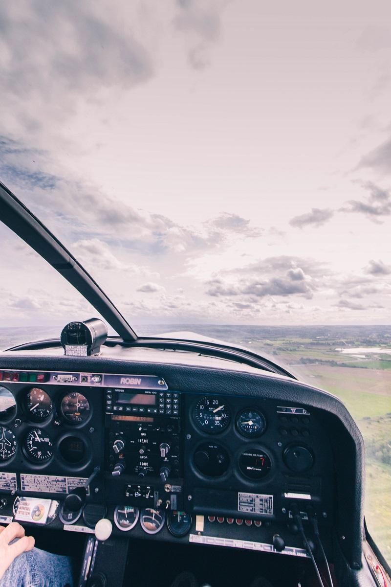 Cockpit d'un avion de tourisme