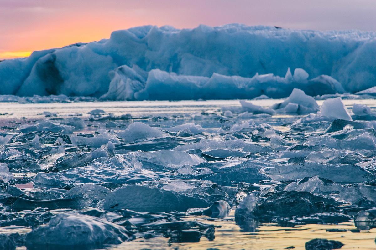 Coucher de soleil sur Jokulsarlon en Islande