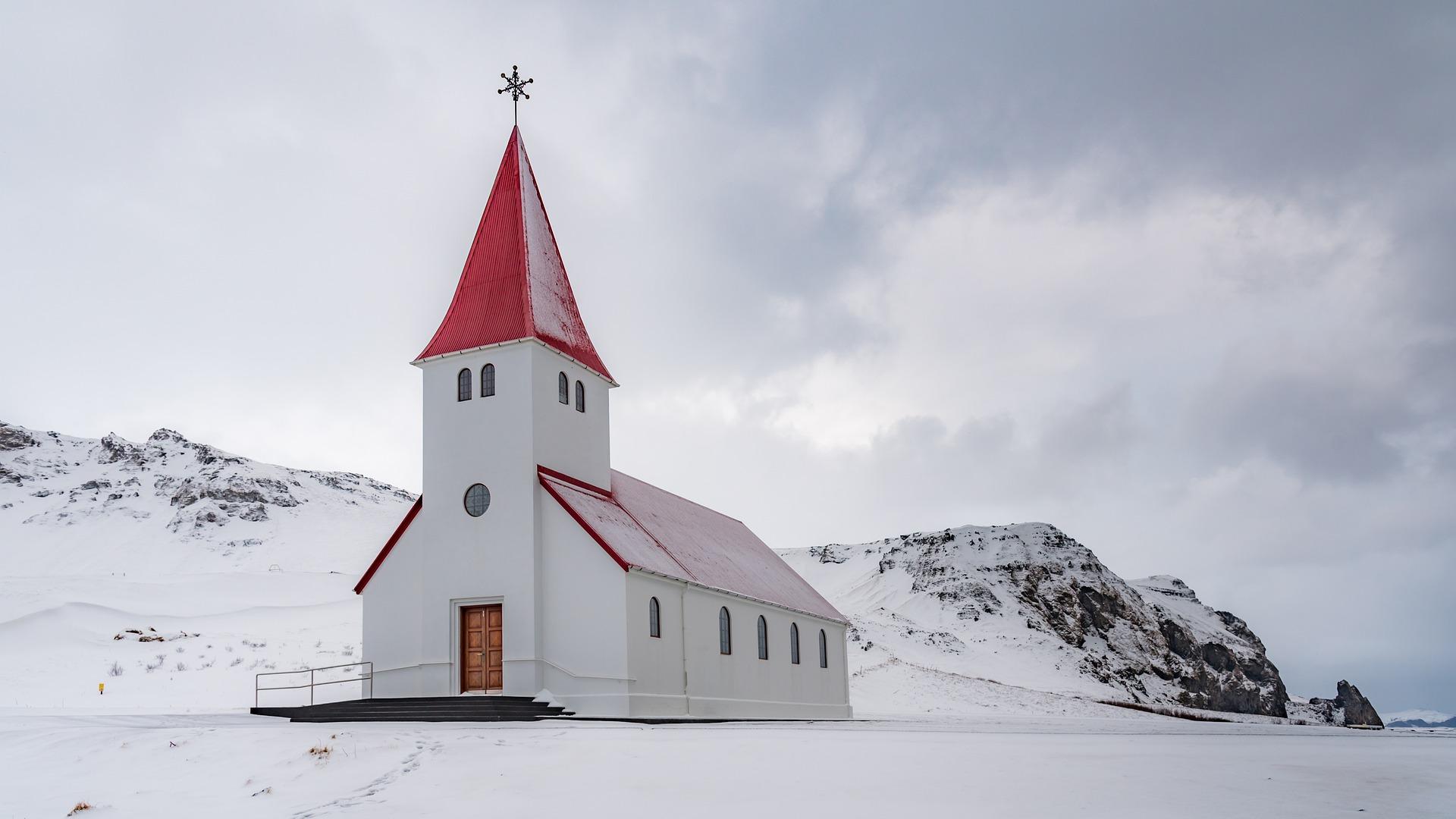 L'église de Vik i Myrdal en hiver