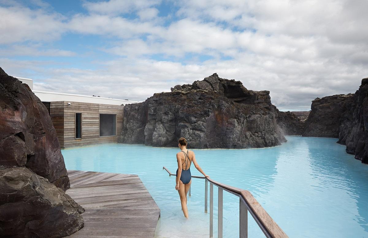 Se baigner dans le Blue Lagoon près de Reykjavik