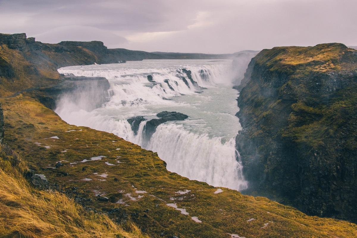 Dans le cercle d'or en Islande, avec la cascade de Gullfoss