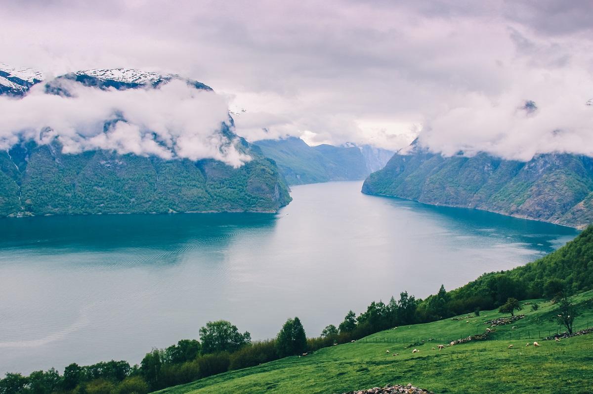 Le fjord Aurland en Norvège