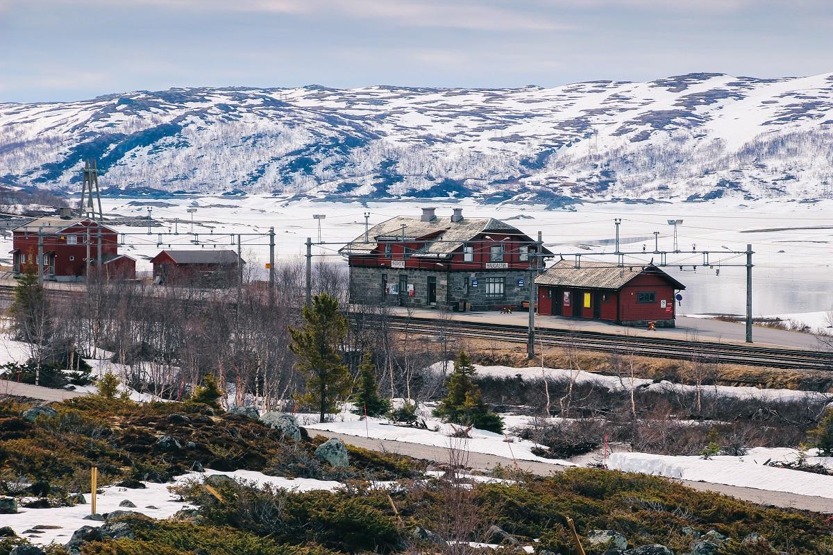 Gare d'Haugastol en Norvège, sur la route des fjords de Norvège