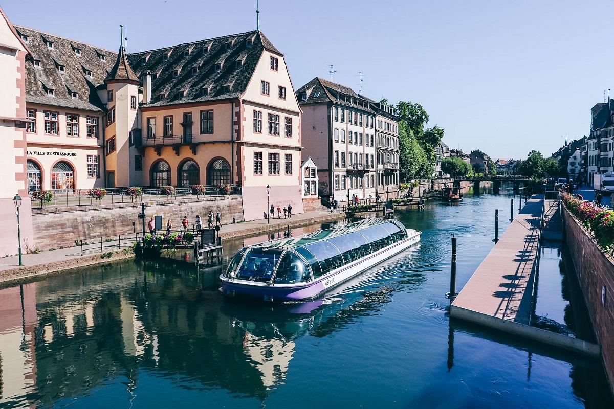 Balade en bateau sur les canaux à Strasbourg