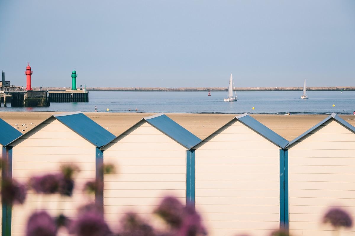 Cabanes sur la plage de Boulogne sur Mer