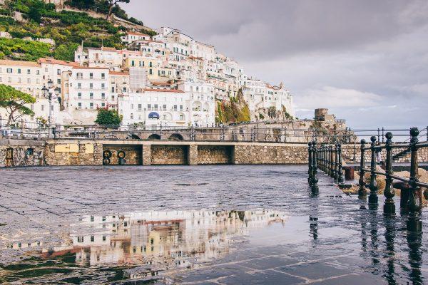 Près du port d'Amalfi