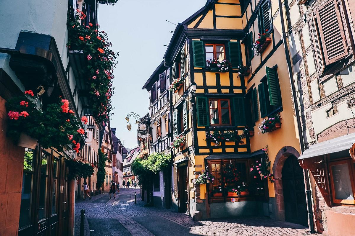 Dans le village de Ribeauvillé en Alsace