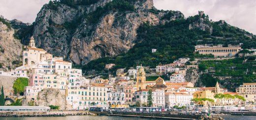 Visiter Amalfi : jolie ville emblématique de la Côte Amalfitaine