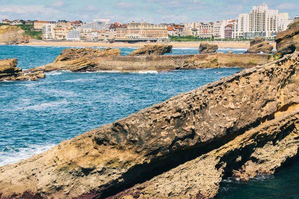 Bâtiments sur le bord de mer à Biarritz