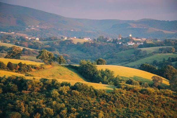 Campagne du Pays Basque en fin de journée