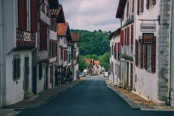 Dans le village de La Bastide Clairance