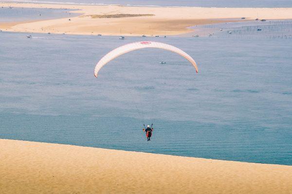 Vol en parapente à partir de la dune du Pilat près du bassin d'Arcachon