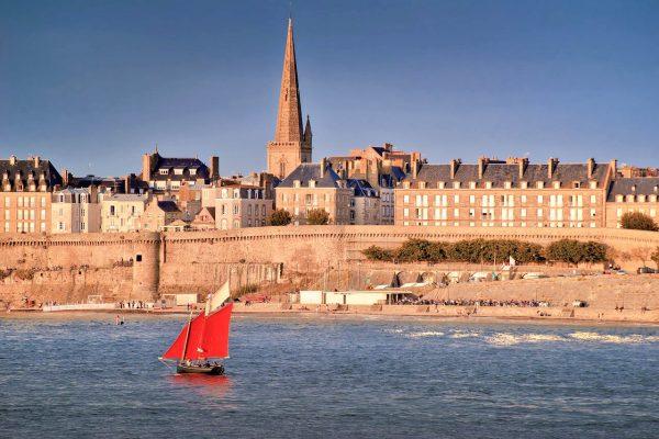 Vue sur la vieille-ville de Saint-Malo