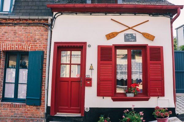 Façade de maison dans le quartier du Courtgain à Saint Valery sur Somme