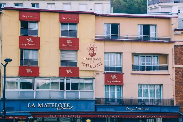 Façade du restaurant La Matelote à Boulogne sur Mer