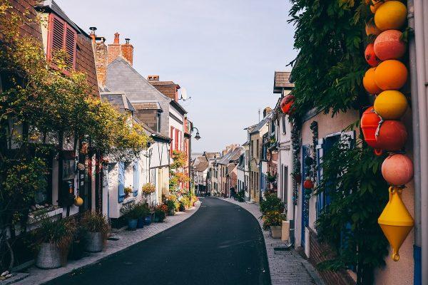 Rue dans le quartier des pêcheurs à Saint-Valery-sur-Somme